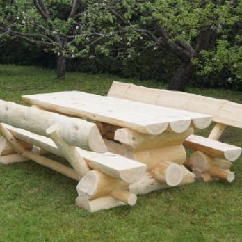 Holz garniture f r drau en gartenm bel timber moves for Gartengarnitur holz